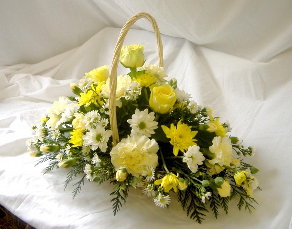 Baskets Gift, Lemon, Cream, White, Flowers, Florist, Radcliffe