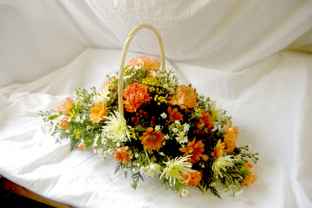 03 Basket Gift | Autumn Colours, Orange, Yellow, Radcliffe florist