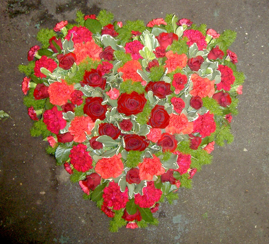 Loose Solid Heart, Roses, Carnations, Radcliffe Florist, Funeral