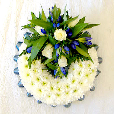 Blocked Wreath, Royal Blue, White, Radcliffe Florist, Flowers
