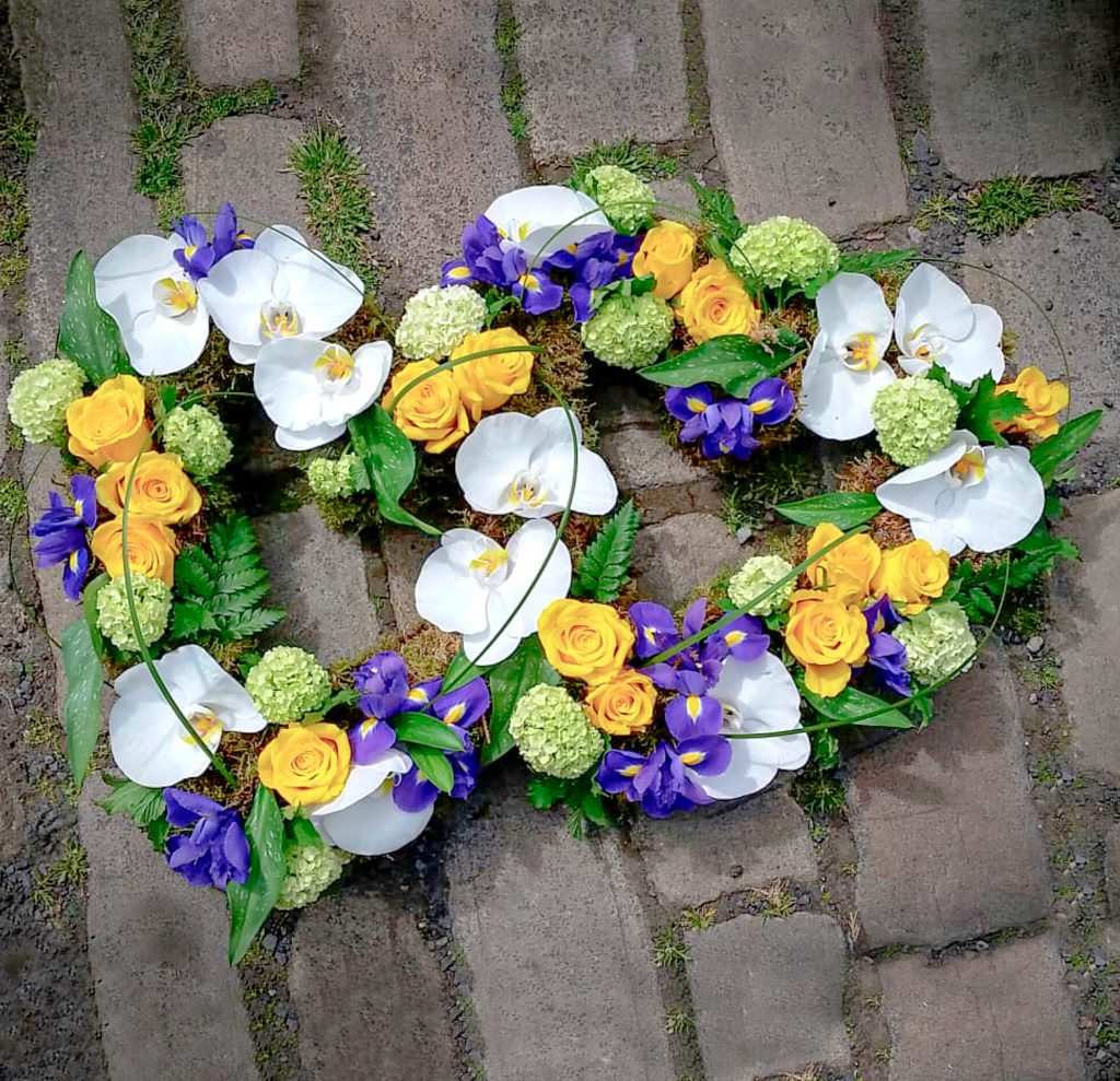 Double Heart : White, Yellow, Purple : Florist : Radcliffe