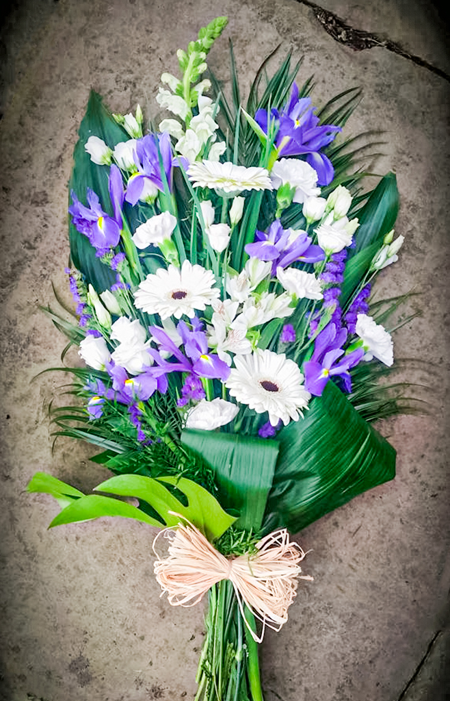 Open Spray White with Blue Iris, Radcliffe Florist, Flowers